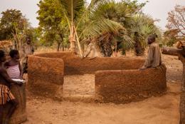 Africa;Architecture;Benin;Constructions;Kaleidos;Kaleidos-images;Laterite;Man;Men;Tarek-Charara