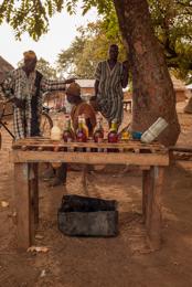 Africa;Benin;Fuel;Gasoil;Gasoline;Kaleidos;Kaleidos-images;Sales;Salesman;Salesmen;Smuggling;Tarek-Charara