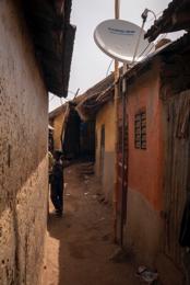 Africa;Alleys;Benin;Kaleidos;Kaleidos-images;Satellite-dishes;Tarek-Charara