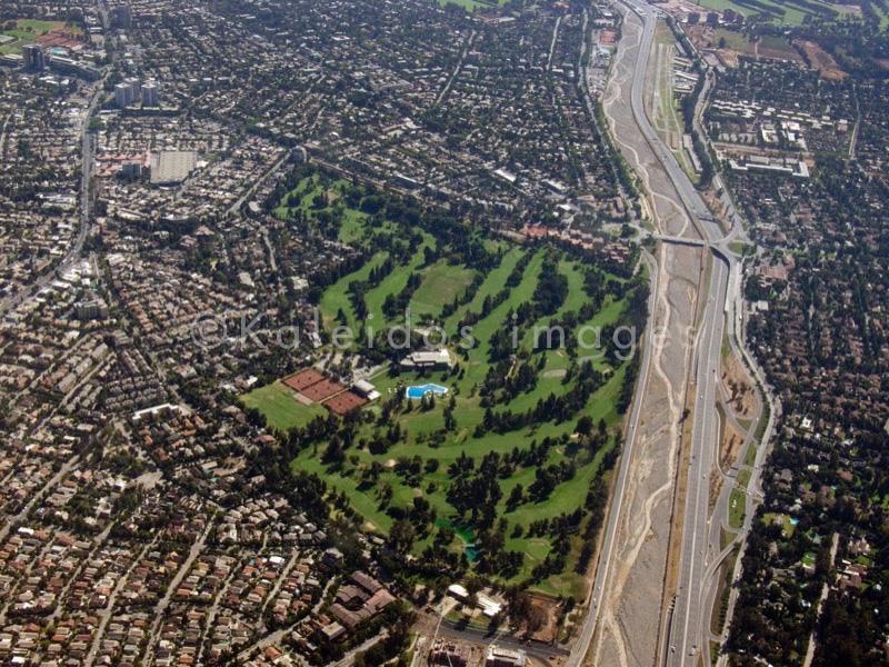 vue d'avion, vue d'en haut;view from above;vista da sopra;aero vista;aero view;vue aérienne;aero Ansicht;vista aero;golf course;campo de golfe;Golfplatz;terrain de golf;terreno da golf;campo de golf
