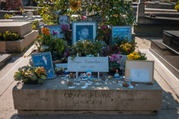 Cemetaries;Cemetary;Cimetières;Gainsbarre;Gainsbourg;Graves;Graveyards;Kaleidos;Kaleidos-images;Lucien-Ginsburg;Serge-Gainsbourg;Tarek-Charara;Tombes;Tombs