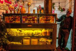 Fruits;Hommes;Juice;Jus;Kaleidos;Kaleidos-images;Lebanon;Liban;Libanon;Magasins;Man;Men;Middle-East;Moyen-Orient;Naher-Osten;Near-East;Proche-Orient;Shops;Tarek-Charara
